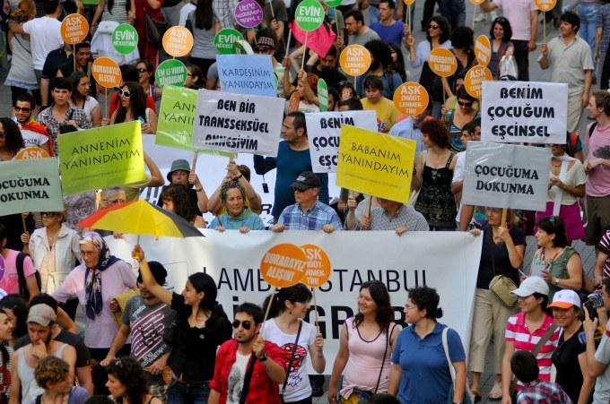 Being a Transgender's Mother in Turkey (2/5)