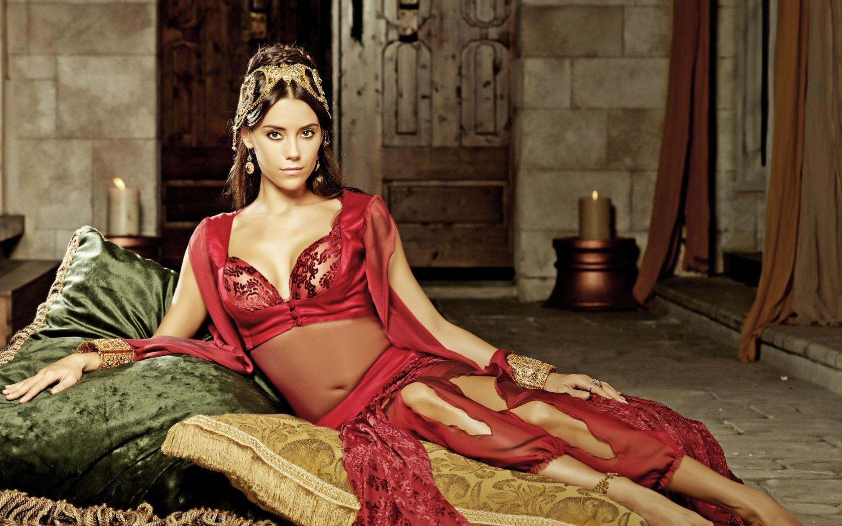 Смотреть секс с царицей, Джессика - императрица похоти (с русским переводом) 16 фотография