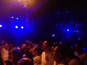 Fou Club Crowd