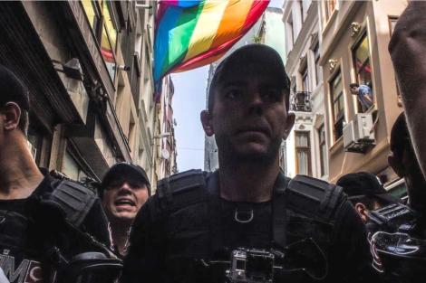 from-trans-pride-2017-copyright-omer-tevfik-erten